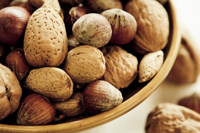 12-nut
